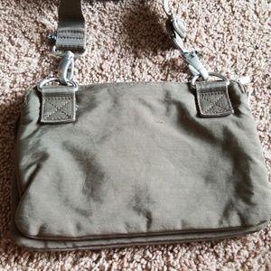 Baggallini Bags - Baggallini Tan Shoulder purse